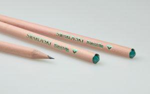 Lápices de madera natural con cristal Swarovski y estampado de aluminio