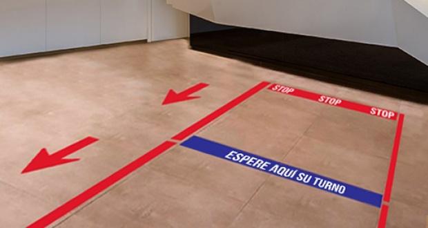 Señalización de suelos para distancia de seguridad