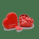 Lata corazón con caramelos